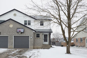 Great 2 Storey Home with 4 Bedrooms!
