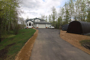 2 Storey on 1 Acre LAKE FRONT LOT in Half Moon Estates!