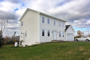 LARGE FAMILY HOME IN HATCHET LAKE!