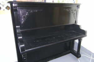 Old piano for shelving