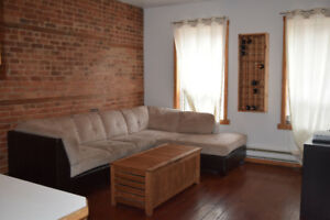 Spacious 6 1/2, 3 bedrooms Looking for roommates!