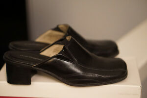 Hush Puppies - casual or dressing