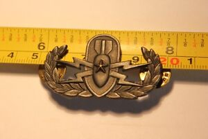 Military EOD BADGE (VIEW OTHER ADS)