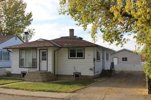 Reduced!!  748 Crescent Ave  Picture Butte