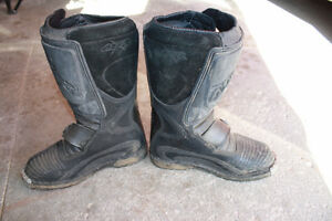 size 6 dirtbike boots London Ontario image 3