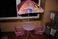 Princess table with 2 chairs