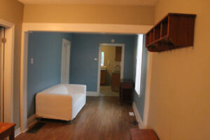 5 Student Bedrooms Available - McMaster University - Co-ed House