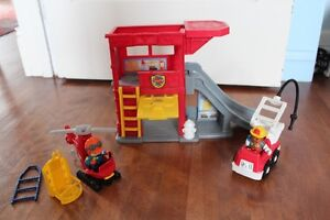 Caserne Pompier-hélicoptère-camion Little People 3/4 ans et +