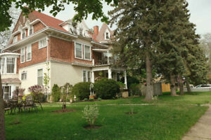 New Update Welland - Spacious 2 Bedroom Apartment for Rent
