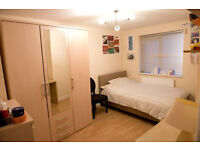 Large, furnished, double room in 3-bedroom, 2nd floor (top floor) flat, near Whitechapel Station