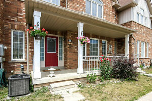 Beautiful 3 Bedroom Townhouse In A Prime Markham Location