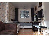 5 bedroom house in Sheringham Avenue, London, E12