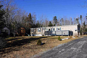Nicely groomed property & 3bdrm home in Head of Jeddore-$627/m!!