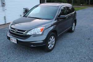2011 Honda CR-V AWD with low KM