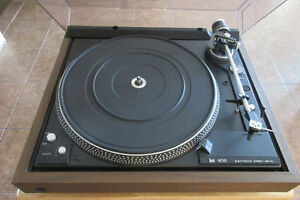 DUAL CS 606 TURNTABLE