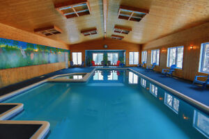 LARGE COTTAGE WITH PRIVATE INDOOR POOL FOR UP TO 46 PEOPLE