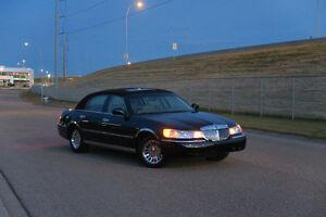 2001 Lincoln Town Car Cartier Sedan