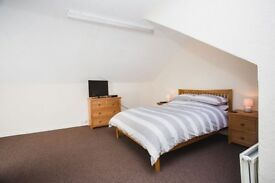 ENSUITE ROOM TO RENT, ALL BILLS INC, NO DEPOSIT, FULLY FURN. TO V.HIGH STANDARD, WIFI, SKY TV
