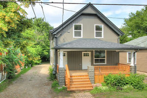 Modern Built Home Minutes to Downtown, Western and Fanshawe