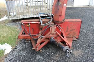 Snowblower - 7 ft International 70 with hyd chute & cylinder
