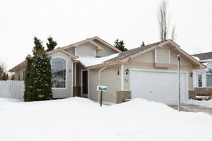 3 BR, 3 Bath Bungalow Great for 1st Time Home Buyer!