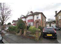 3 bedroom house in Cissbury Ring North, WOODSIDE PARK, N12