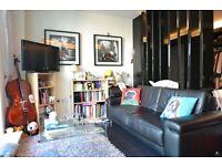 Studio flat in Pan Peninsula Square, Canary Wharf, E14