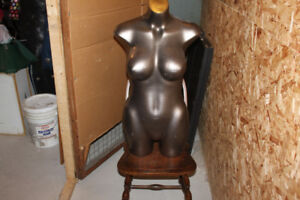 Mannequins ( Buste de femme )