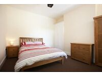 Large Room to rent in Southsea.Professional house share,Furnished.Sky,wifi.ALL BILLS INC.No deposit