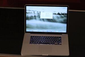 """2009 Macbook Pro 17"""" / 120 GB SSD / HUGE SCREEN / Great shape"""