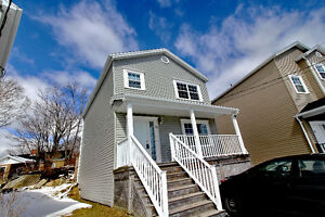 **BEAUTIFUL FIRST TIME BUYER HOME IN SPRYFIELD!!**