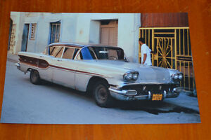 8X12 PHOTO 1958 PONTIAC CHIEFTAN IN HAVANA CUBA 2007