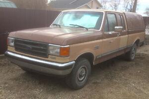 1989 Ford F-150 Lariet Pickup Truck 4x4...No Trades..