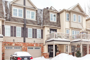 LOVELY 2 BED FREEHOLD TOWNHOME IN PRIME LOCATION