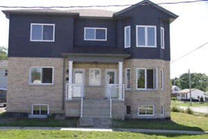 H0USE FOR RENT MAIN LEVEL IN BOWMANVILLE ,2 YEAR OLD MARCH 1