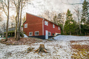 Contemporary home in beautiful Fall River! 1118 Fall River Road