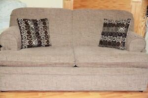 Pullout loveseat