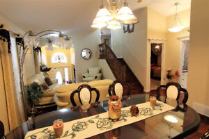 China Cabinet/ Dining table