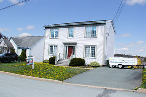 OPEN HOUSE TODAY 2-4PM in Popular Armcrest Area of Lr. Sackville