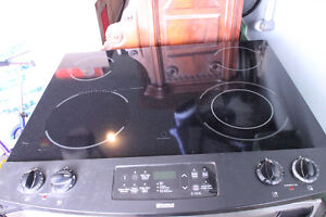Ceramic top stove / Stainless -  Excellent condition - $750 neg