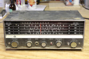 Hallicrafters SW-500 Shortwave Radio Communications Receiver