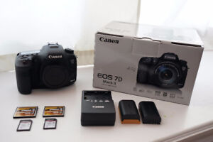Canon 7D Mark II DSLR Body Only + Extra Battery + 4 Memory Cards