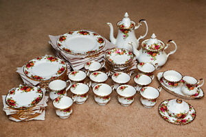 Royal Albert - Vintage Bone China - Made in England