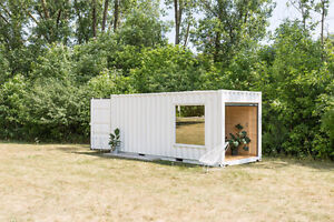 SHIPPING CONTAINER MOBILE BOUTIQUE