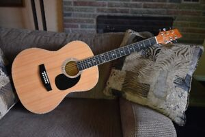 Kona Acoustic Guitar in Excellent Condition
