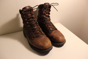 Redwing Boots Size 8.5 - not steel toe