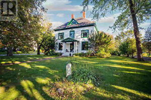 STUNNING 1898 Rhodes & Curry Georgian home in Amherst, NS