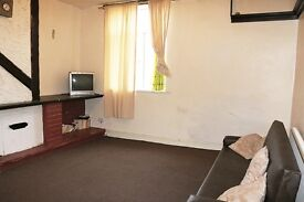FLAT AVAILABLE NOWWW BD7 2 bedroom flat