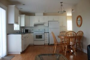 COACH HOUSE DOWNTOWN LADNER - FURNISHED