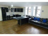 3 Bedroom Apartment To Rent Reddish, Stockport. Newly Refurbished. Close to Town. Inc Parking bed